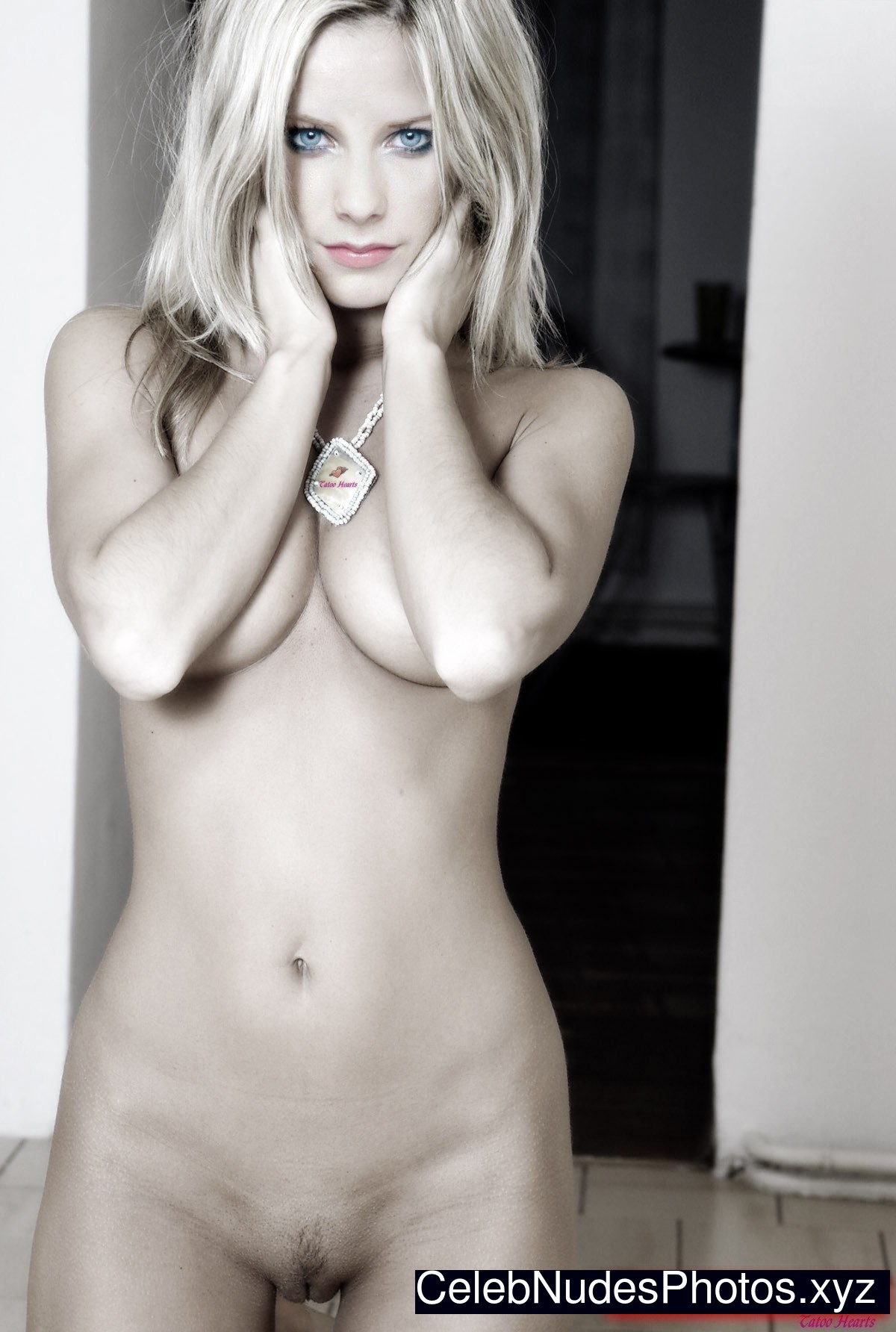 nude pictures of avril