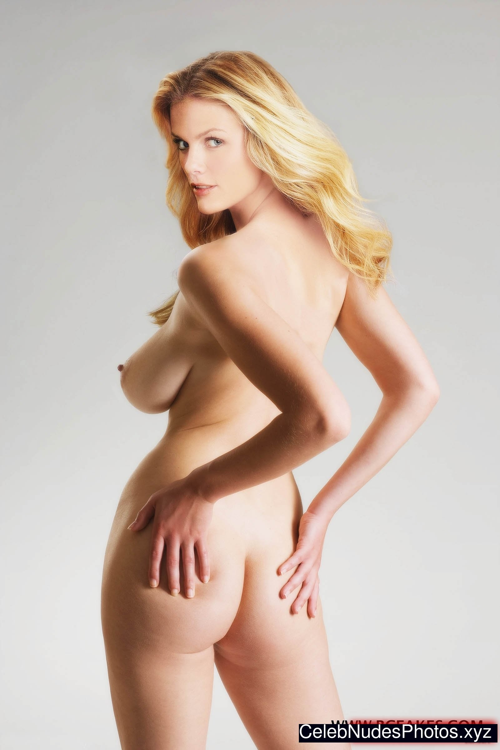 sexy pictures of brooklin decker naked