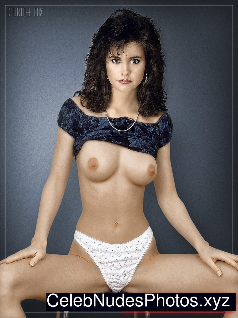 Courtney cox fake tits