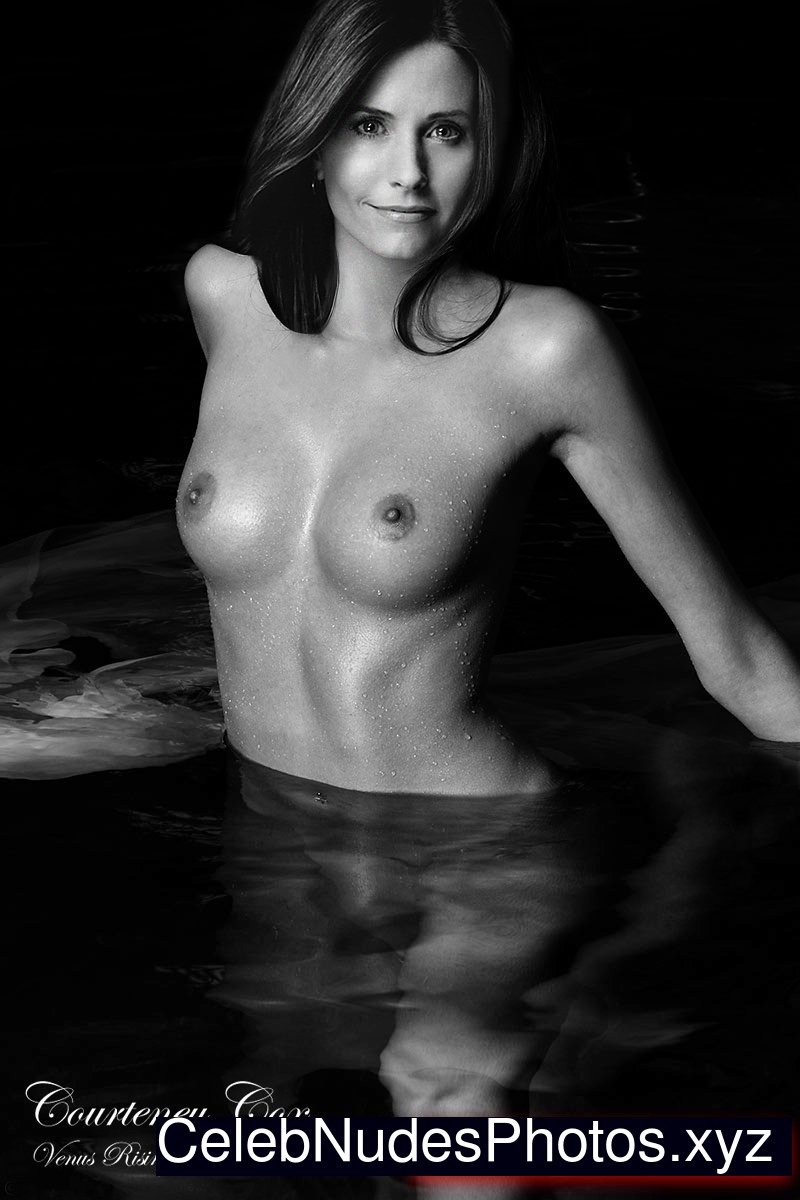 naked photos of courteney cox