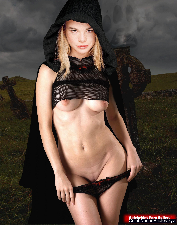 ellen muth naked