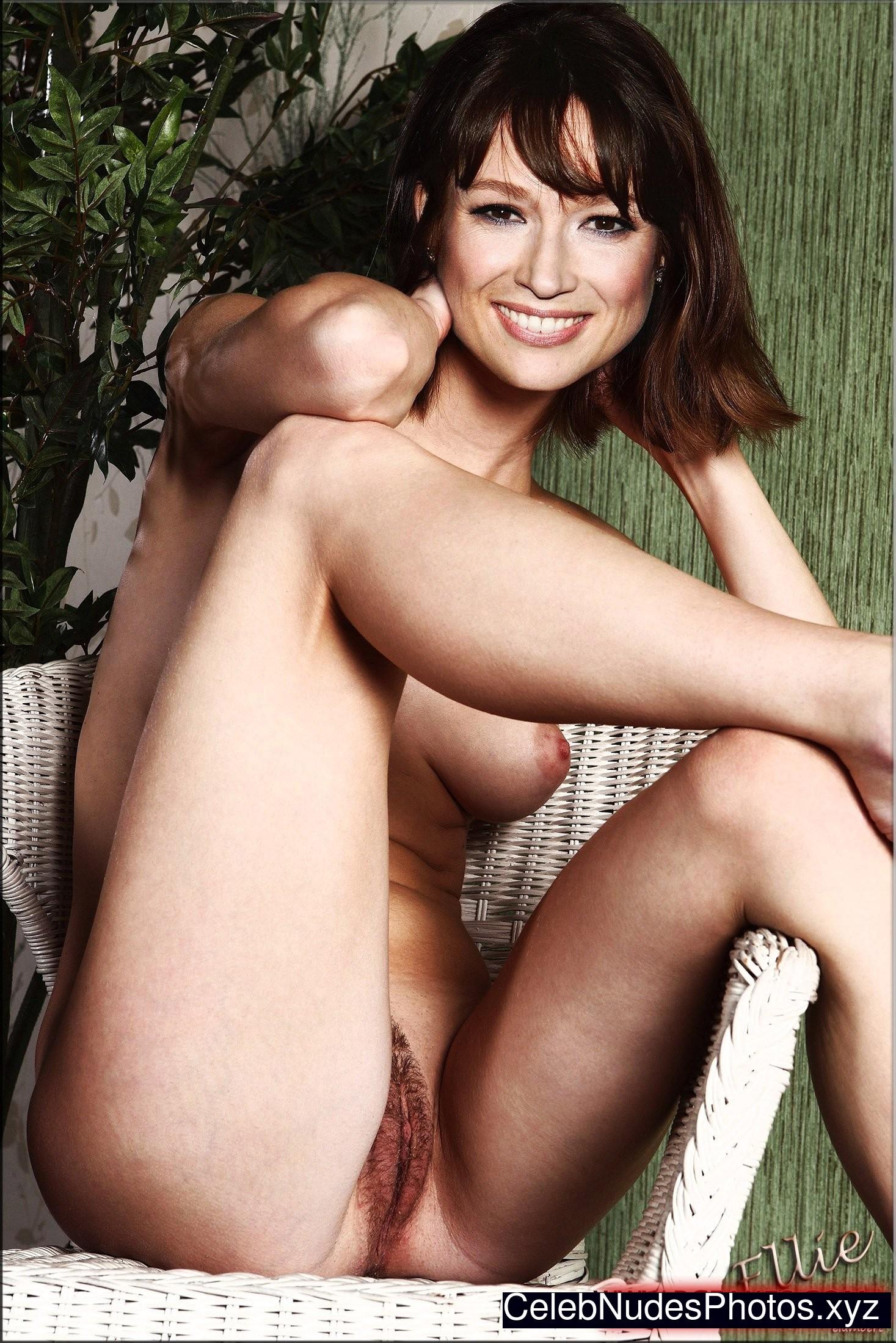 Nude sexy ellie kemper