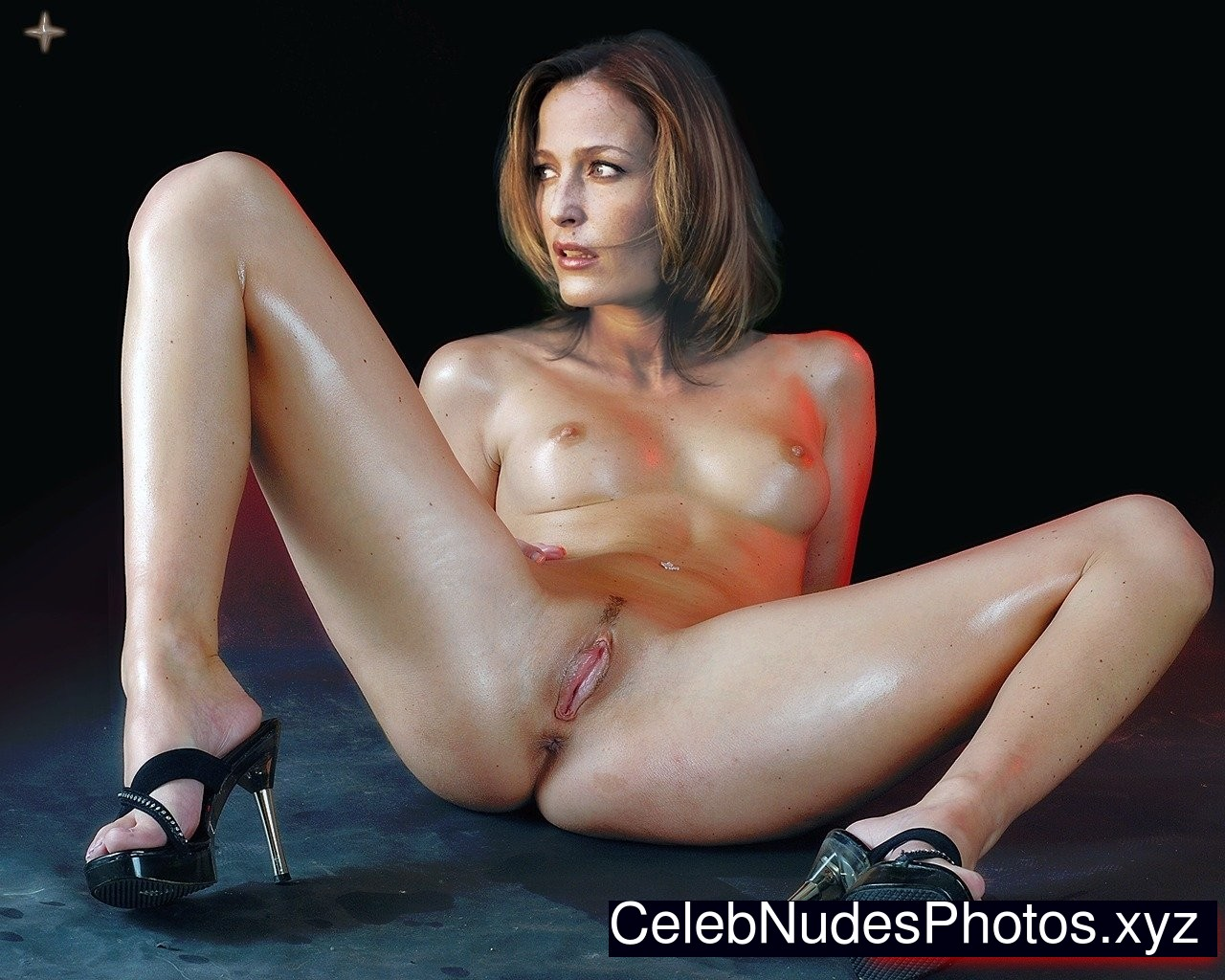gillian anderson nude pictures