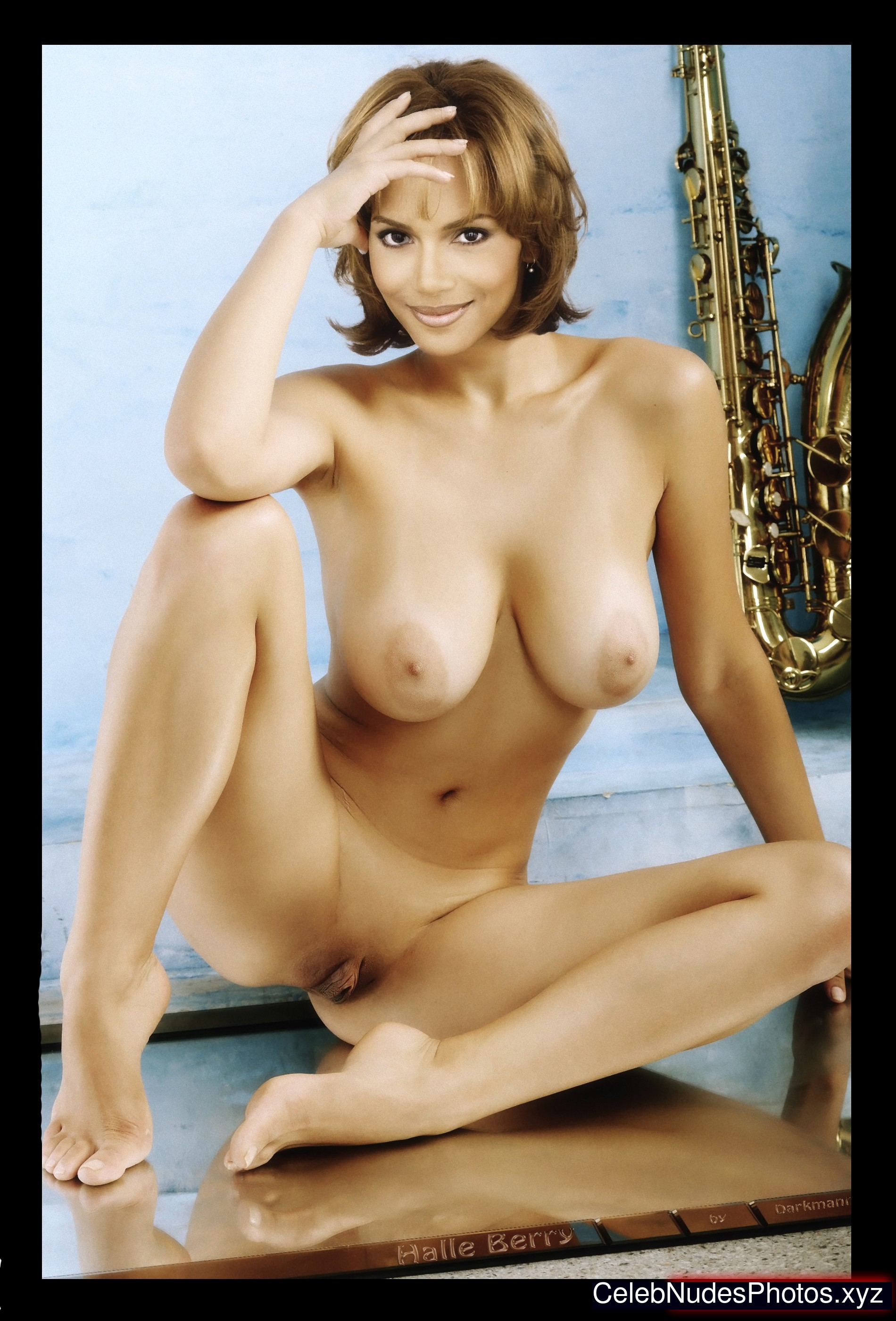 halle berry fakes nude
