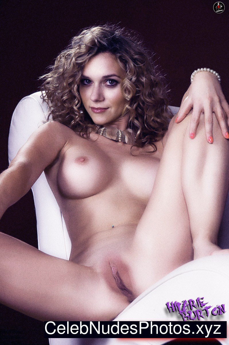 hilarie burton nude or topless