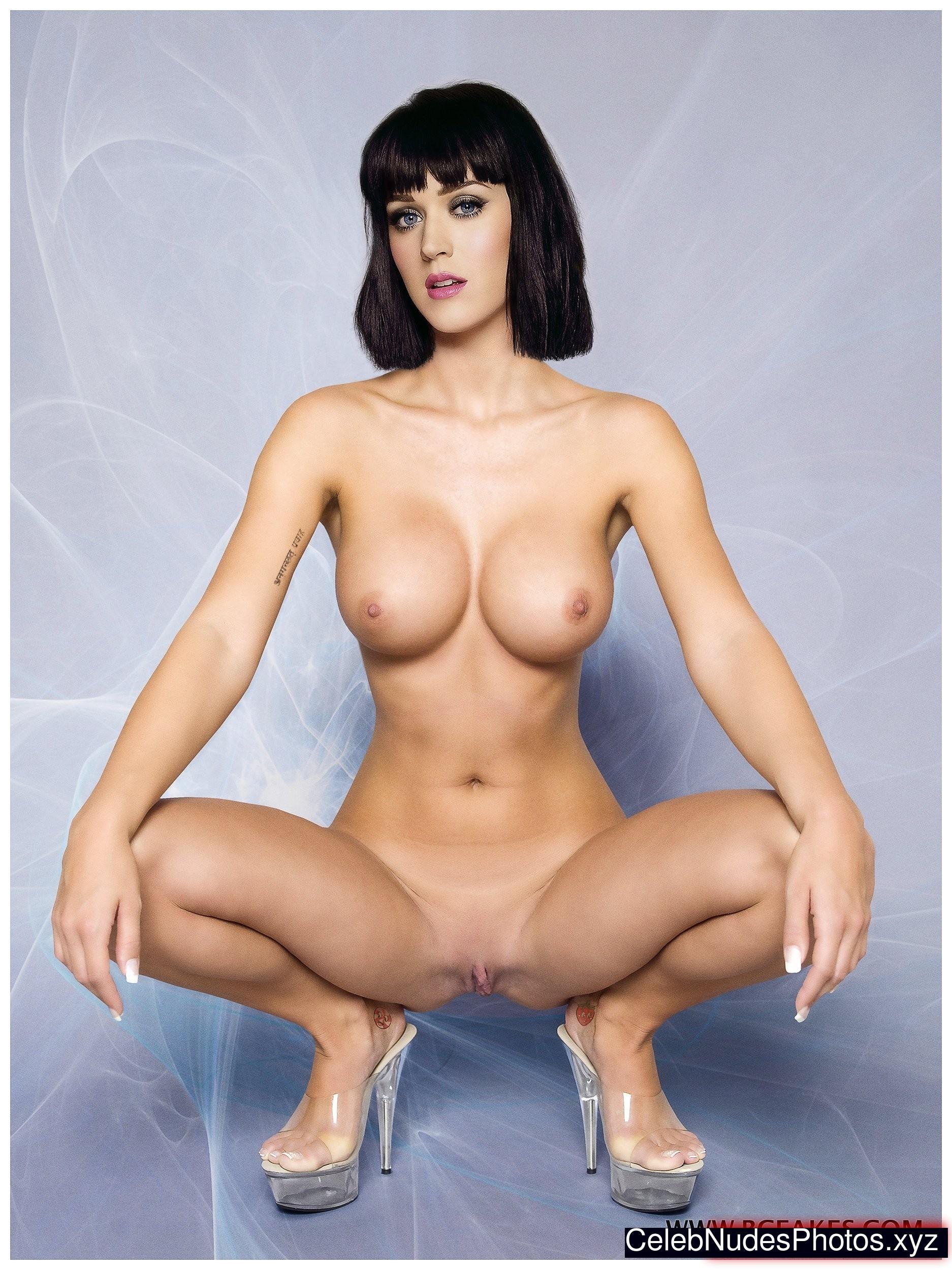 Free naked female photos