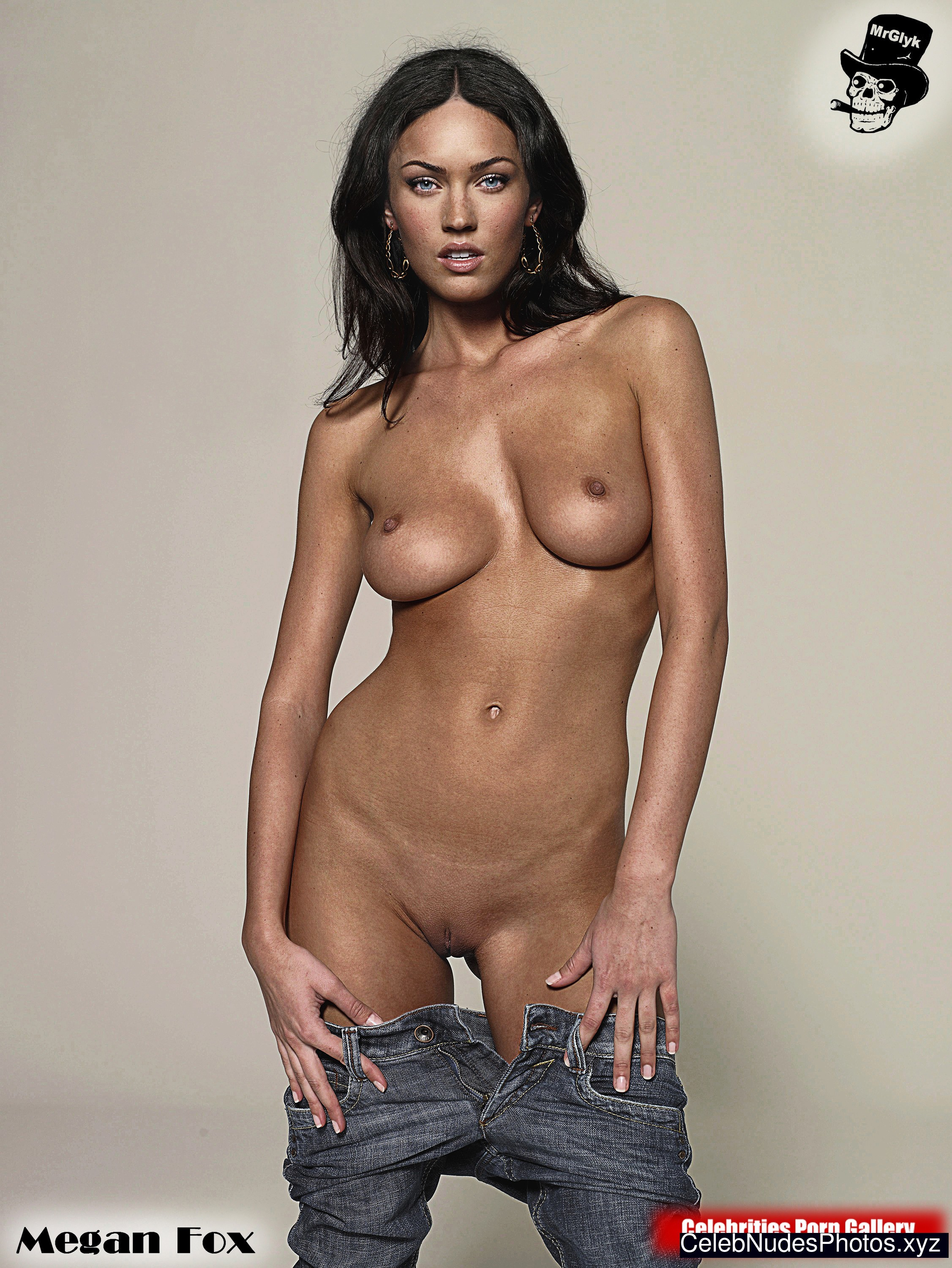 sexiest-female-celebrities-naked