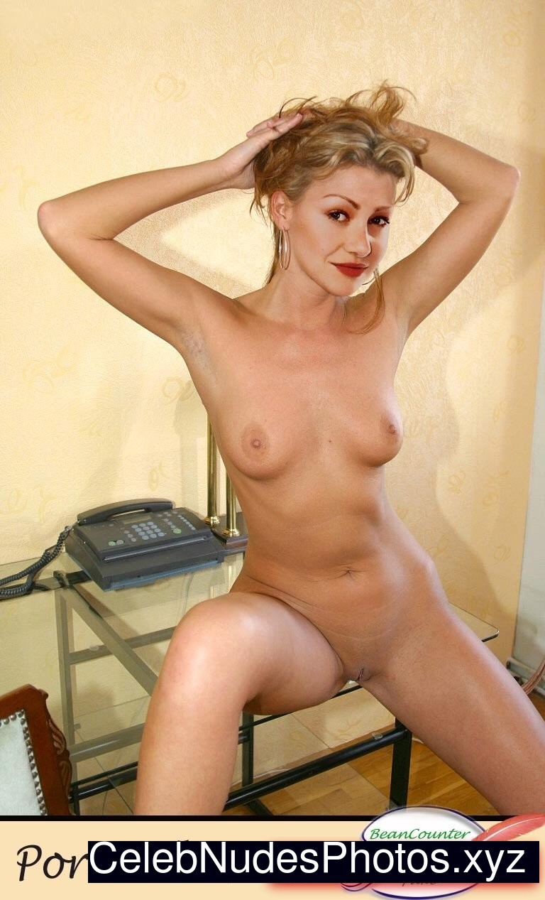 portia de rossi fakes nude
