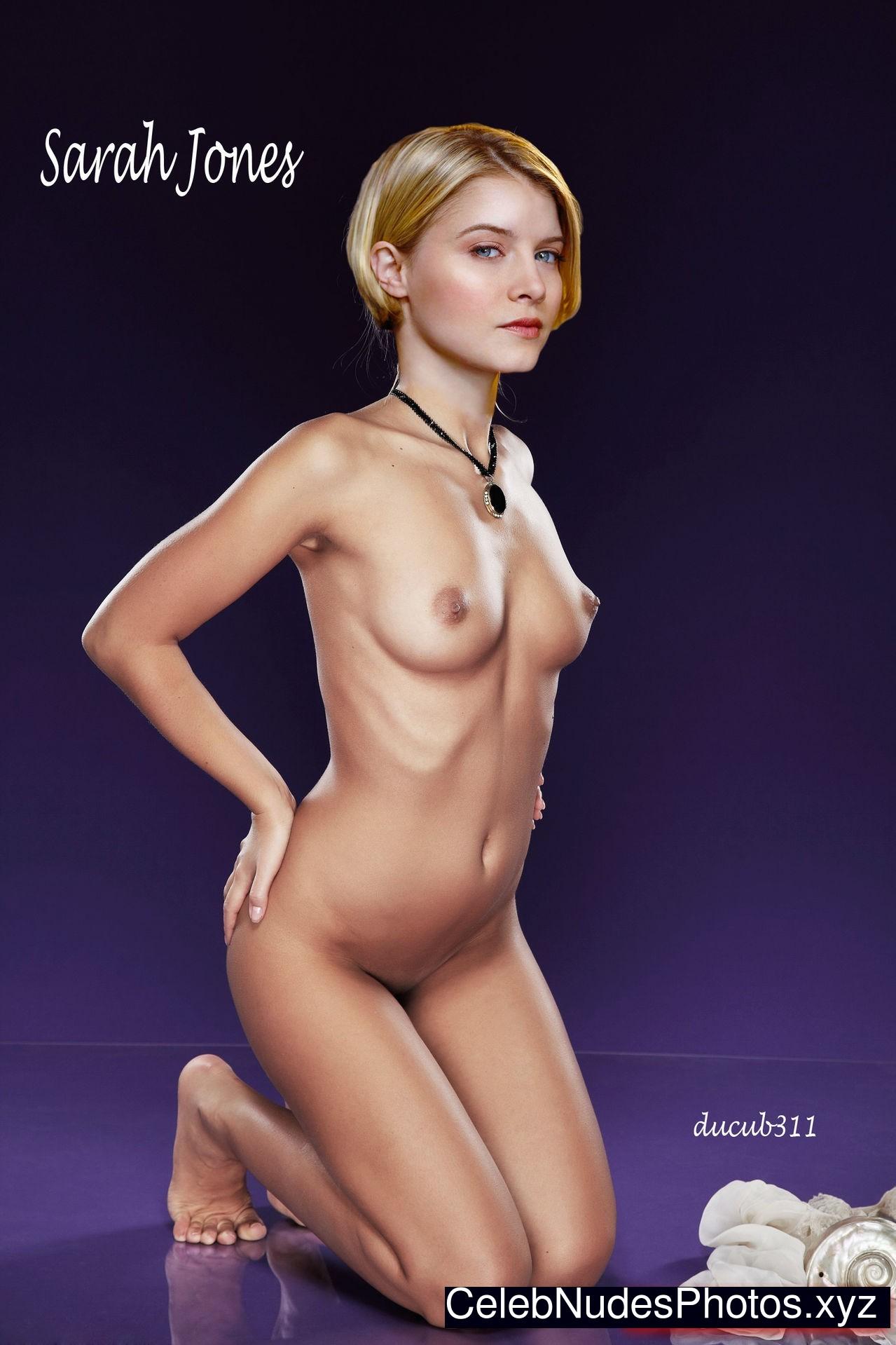 sarah jones sexy naked