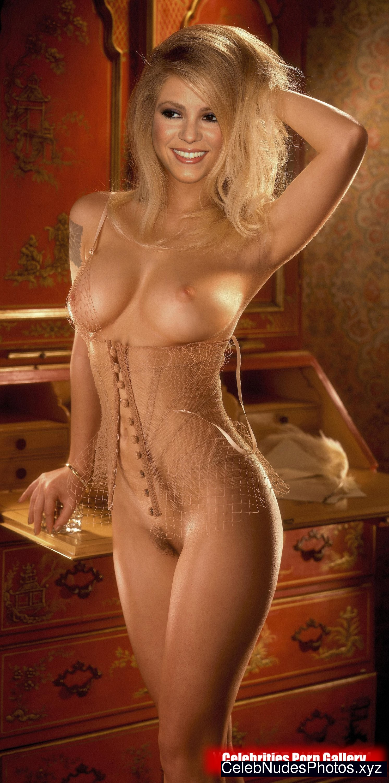 shakira nude playboy pics