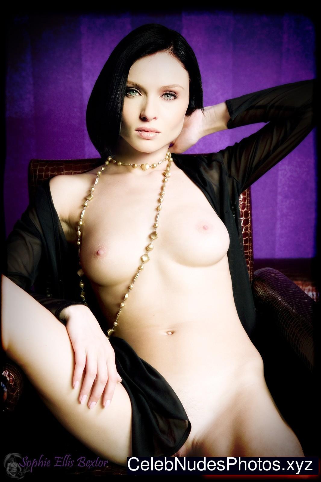 sophie ellis nude