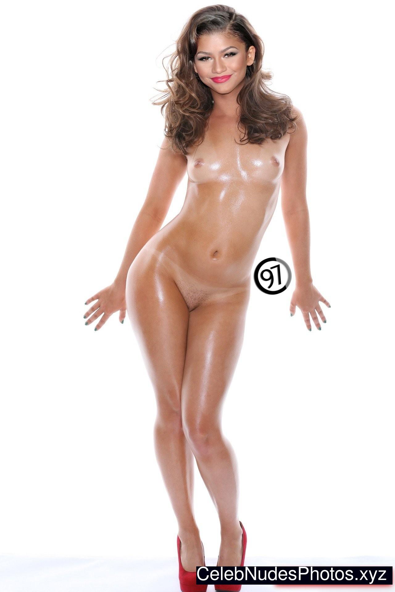 zendaya sexy pics